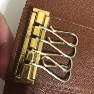 Louis Vuitton Accessories - Louis Vuitton 4 key holder